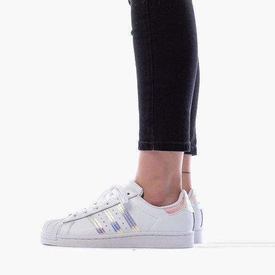 pol_pm_Buty-damskie-sneakersy-adidas-Originals-Superstar-2-0-J-FV3139-28833_1